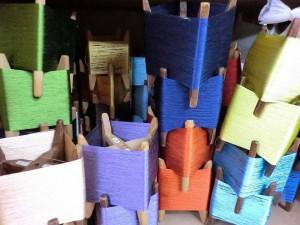 絹をまいた木枠