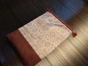 金襴とスェードの巾着袋
