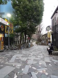 新宿 遊歩道