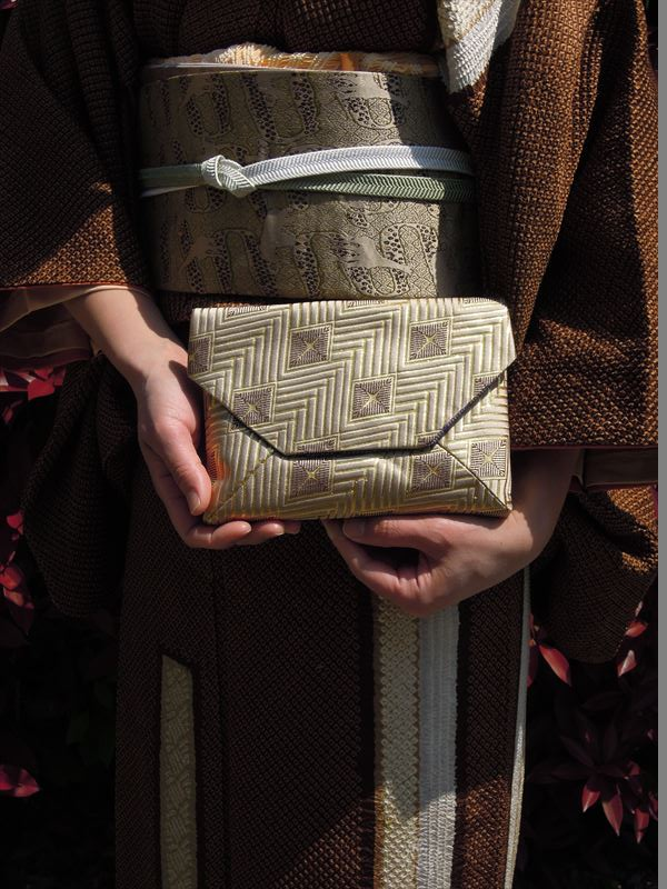 西陣金襴菱繋ぎ 数奇屋袋