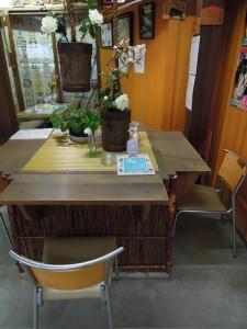 護王神社 井戸のテーブル