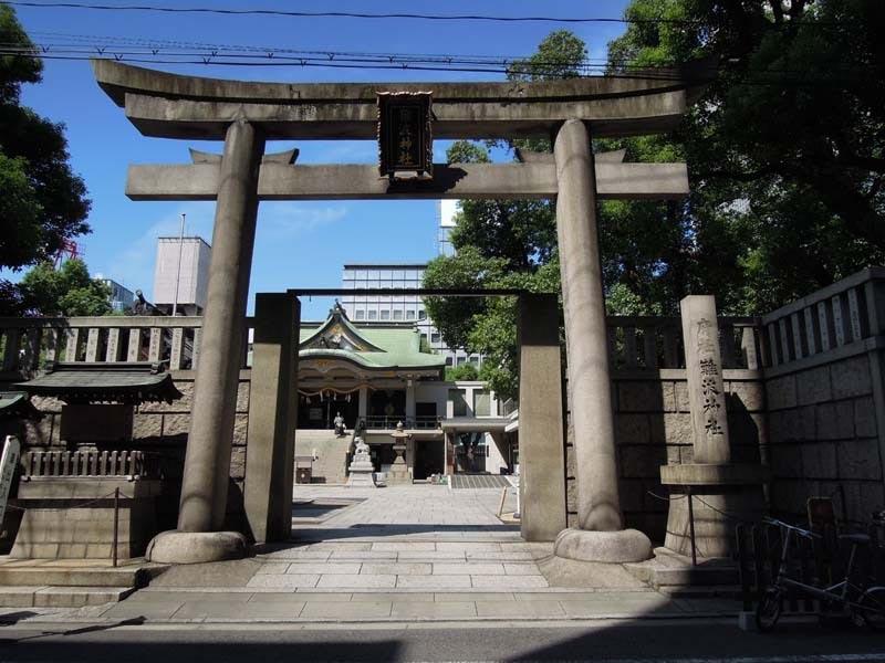 御堂筋にある難波神社
