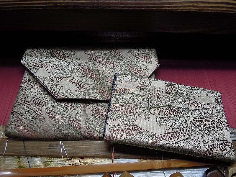 西陣金襴 正絹 アフリカ文様で作った数奇屋袋と懐紙挟み