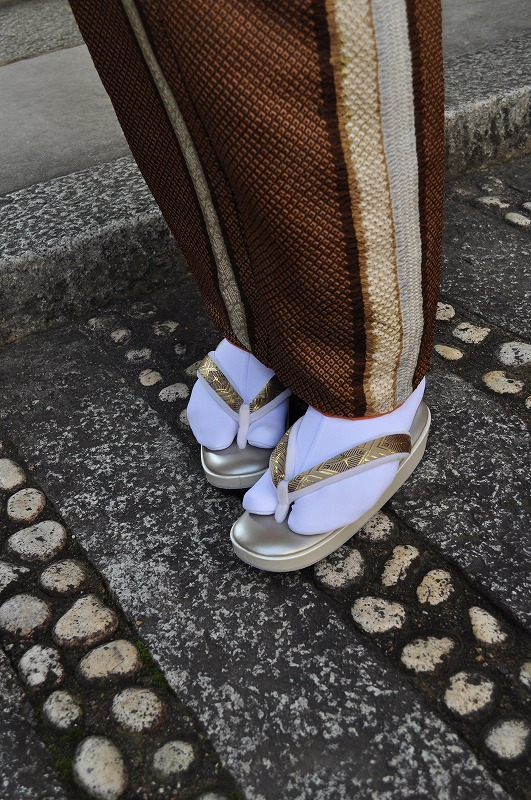 西陣織 金襴 正絹 KaroKaro 正絹菱繋ぎ 草履