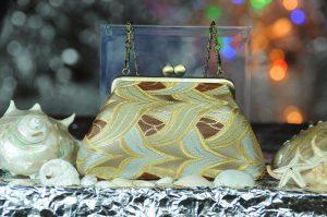 西陣正絹金襴 燕矢紋様 がま口ハンドバッグ