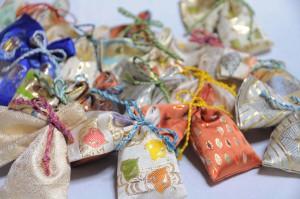 匂い袋 金襴小物