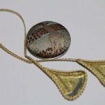 京都西陣織 金襴 正絹 ブックマーカーとブローチ