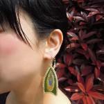西陣織 金襴 正絹 を使った可愛い耳飾り~羽のピアス~西陣金襴羽重ね紋様使用