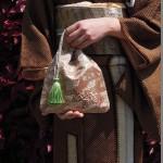 西陣金襴正絹アフリカ紋様巾着 緑のタッセル