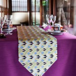 西陣金襴正絹 燕矢紋様テーブルランナー