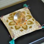 西陣織 金襴 正絹 唐花紋様 宝物用座布団
