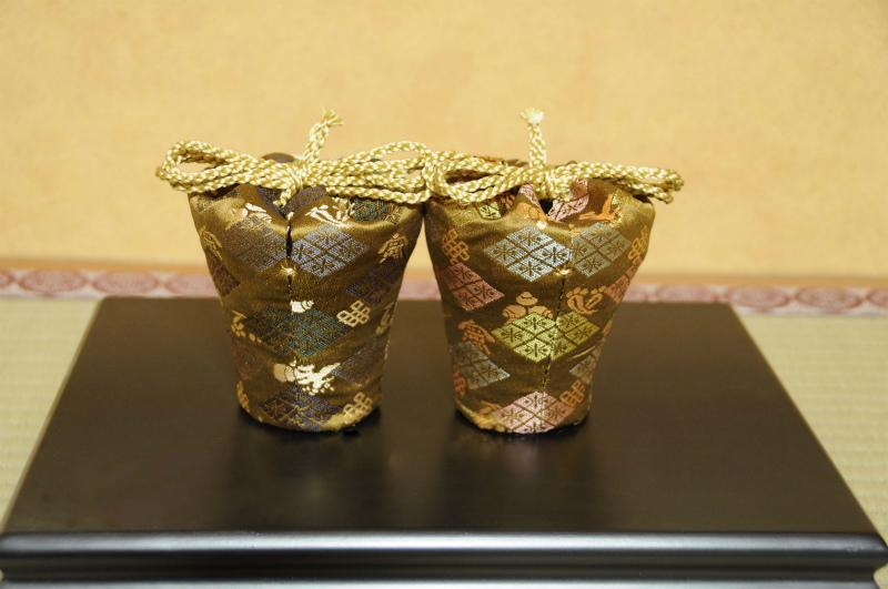 江戸切子を包む。西陣織の仕覆