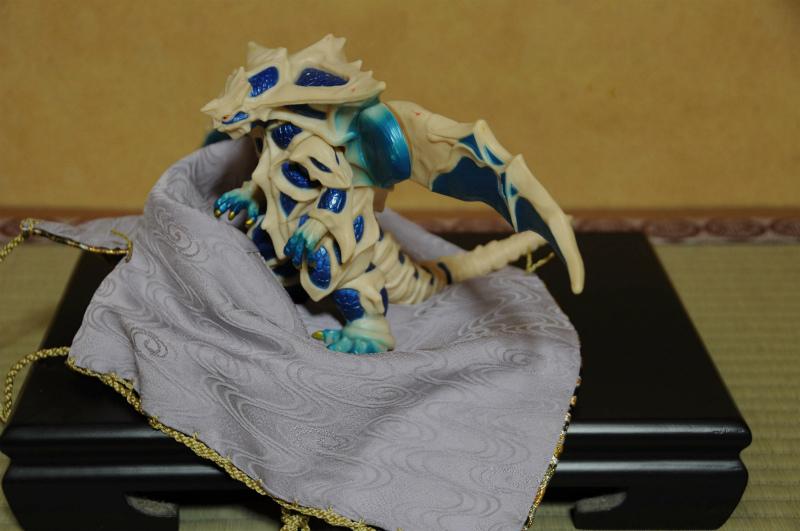 西陣織の仕覆  三階菱唐花紋様