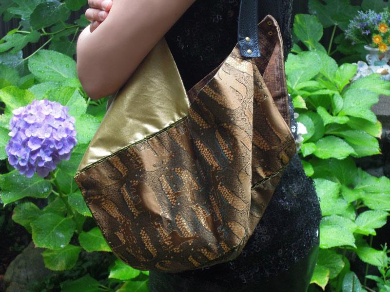 西陣織正絹金襴 アフリカ紋様でお仕立てした「おじゃみバッグ」