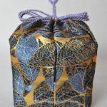 陶器のお重を包む 仕覆