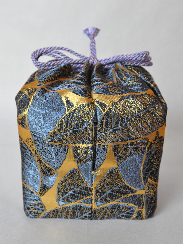 西陣織 金襴 正絹 陶器のお重を包む 仕覆