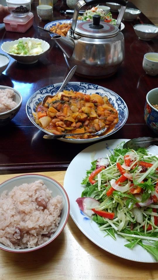 金時豆と野菜、厚切ベーコンの炊いたん。お豆さん、沢山炊いたのでお豆ごはんも。西賀茂の水菜とタコのマリネ。