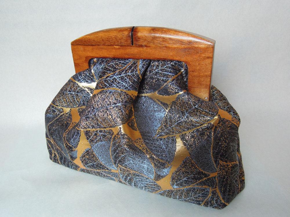 西陣金襴 正絹 葉脈紋様 木の口金のクラッチバッグ