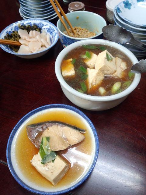 ぶりと豆腐を炊いたん。すぐきの漬物