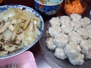 シュウマイ。キノコと野菜蒸し