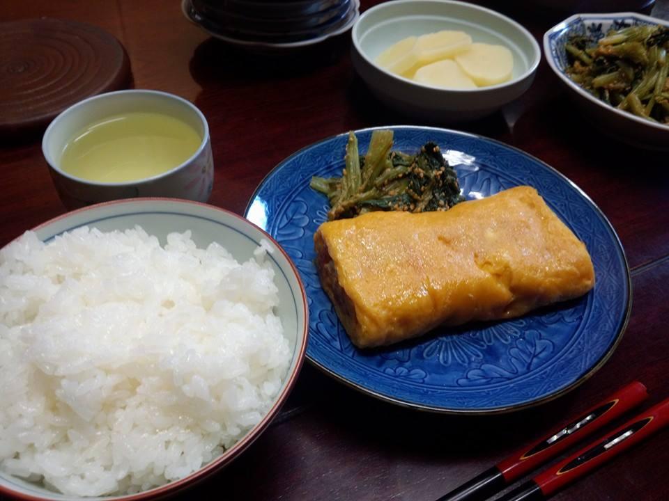 小松菜の胡麻和えと出汁巻卵