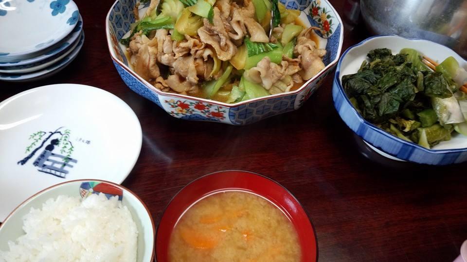 豚肉と青梗菜を炒めたん。自家製のからし菜漬け