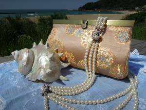 西陣正絹金襴 雪輪紋様 クラッチバッグ