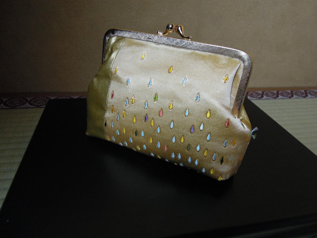 西陣金襴正絹 滴紋様 つや消しがま口バッグ 正面