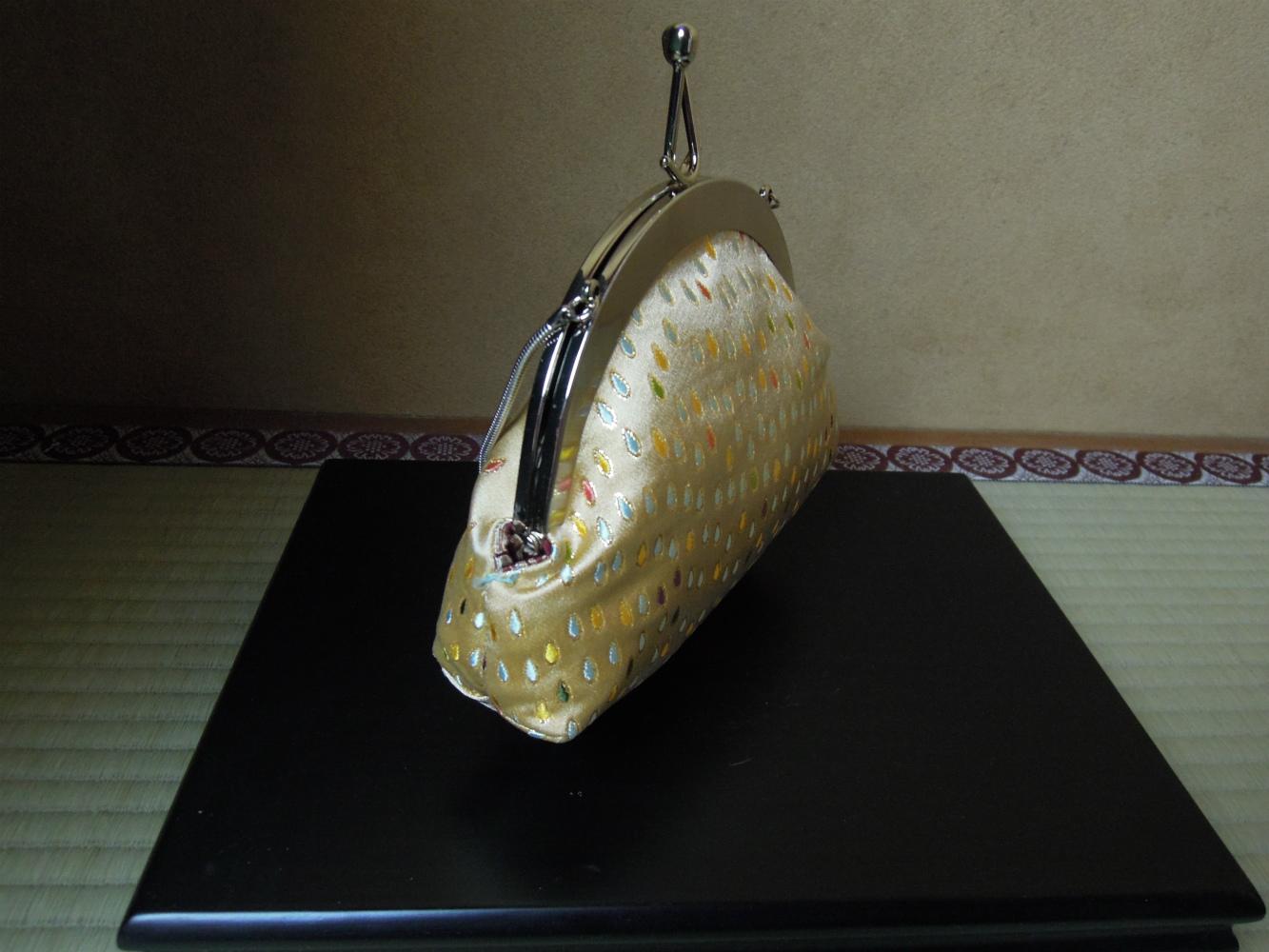 西陣金襴正絹 滴紋様 丸いがま口バッグ 横