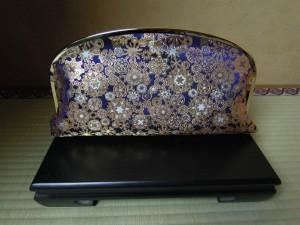 西陣金襴正絹 雪輪紋様 がま口クラッチバッグ 背面