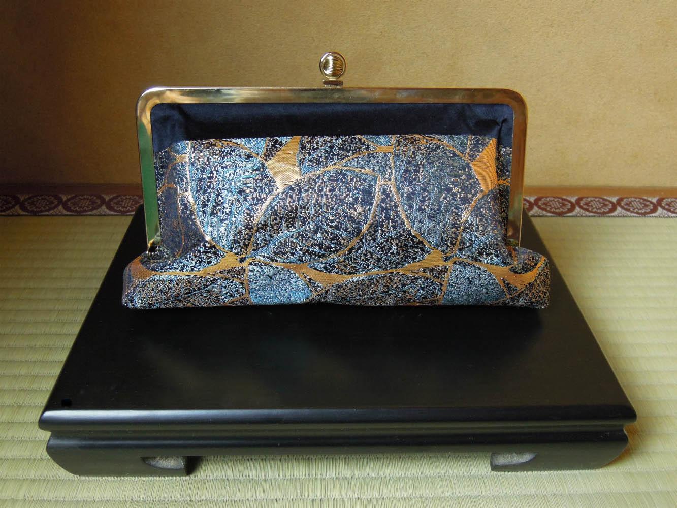西陣金襴正絹 葉脈紋様  がま口バッグ 背面