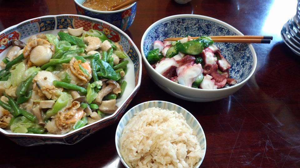 生姜飯、蛸と蛇腹きゅうりの酢の物、ホタテの野菜あんかけ