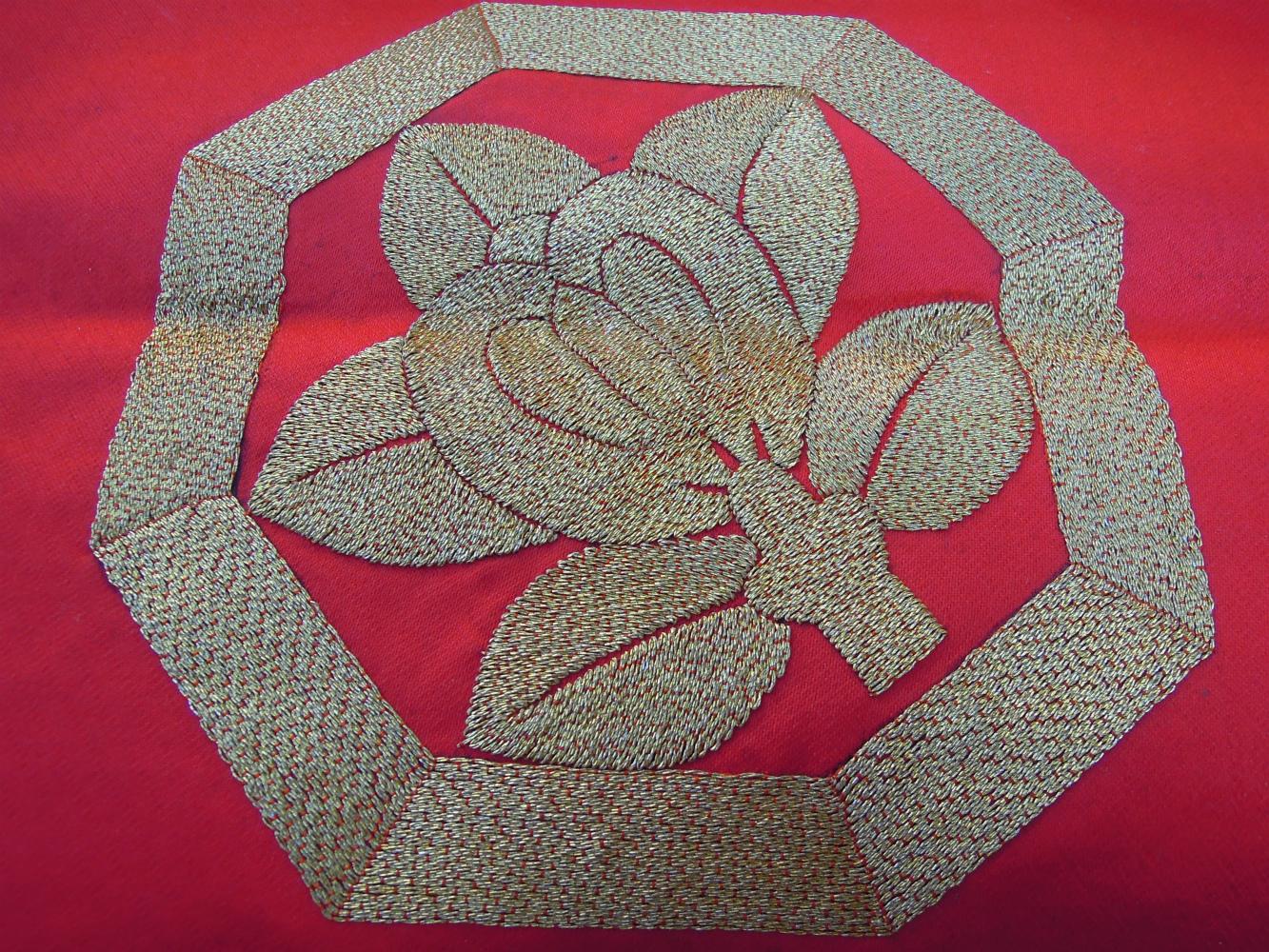 金糸の刺繍