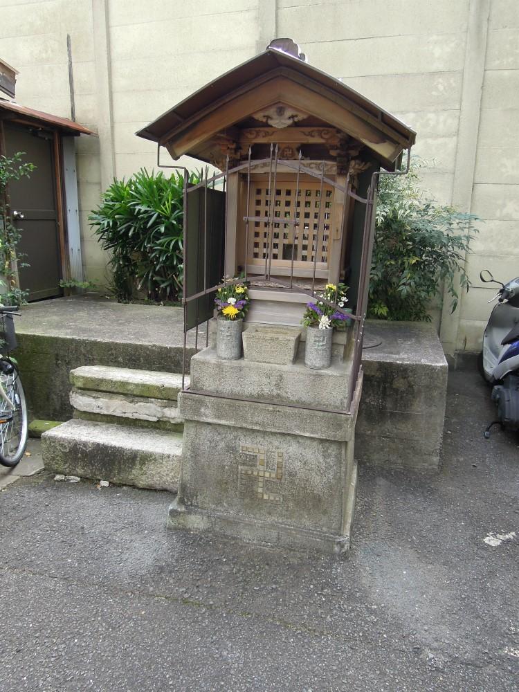 大和大路四条下る小松町のお地蔵さん