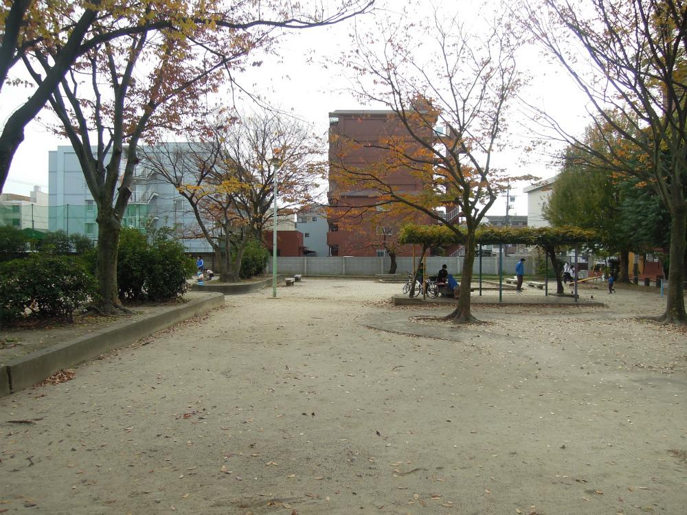 深草砂川東児童公園のお地蔵さん
