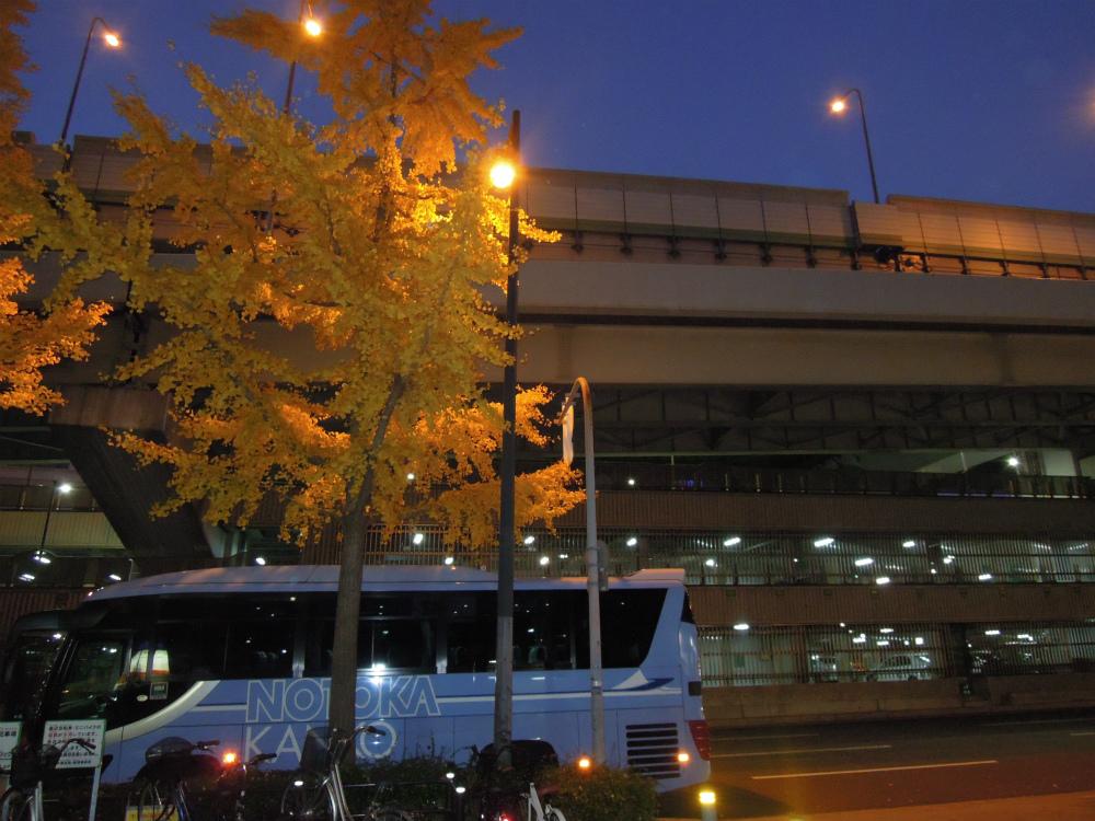 北向地蔵尊前の阪神高速13号東大阪線