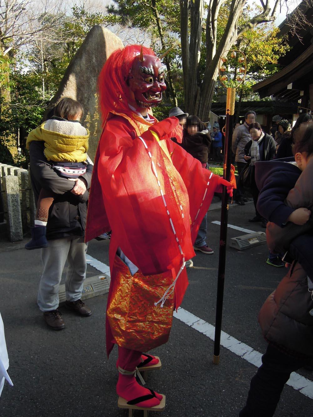 京都護王神社の節分祭 赤鬼