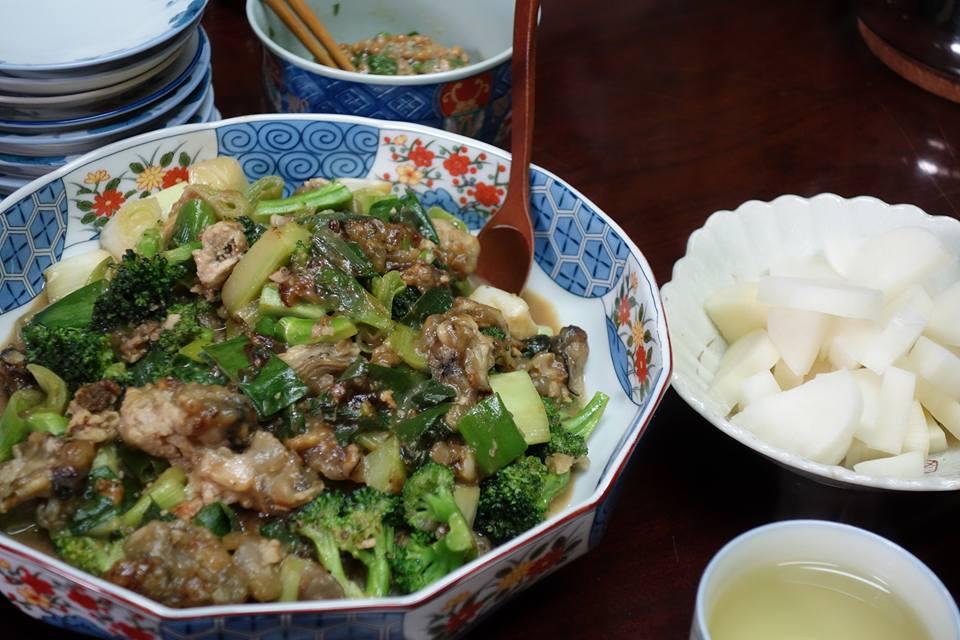 牡蠣とブロッコリー、葱を炒めたん