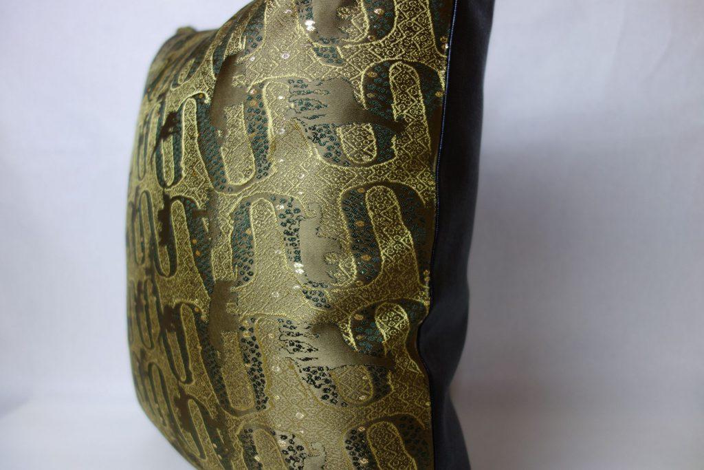 西陣織 金襴 アフリカ紋様 クッションカバー