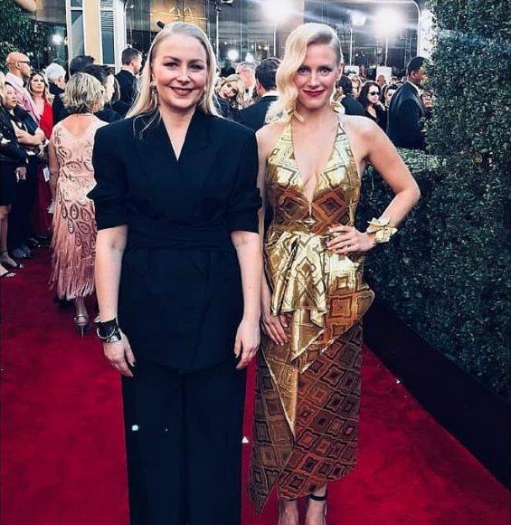 ゴールデングローブ賞 金色のドレス レッドカーペット